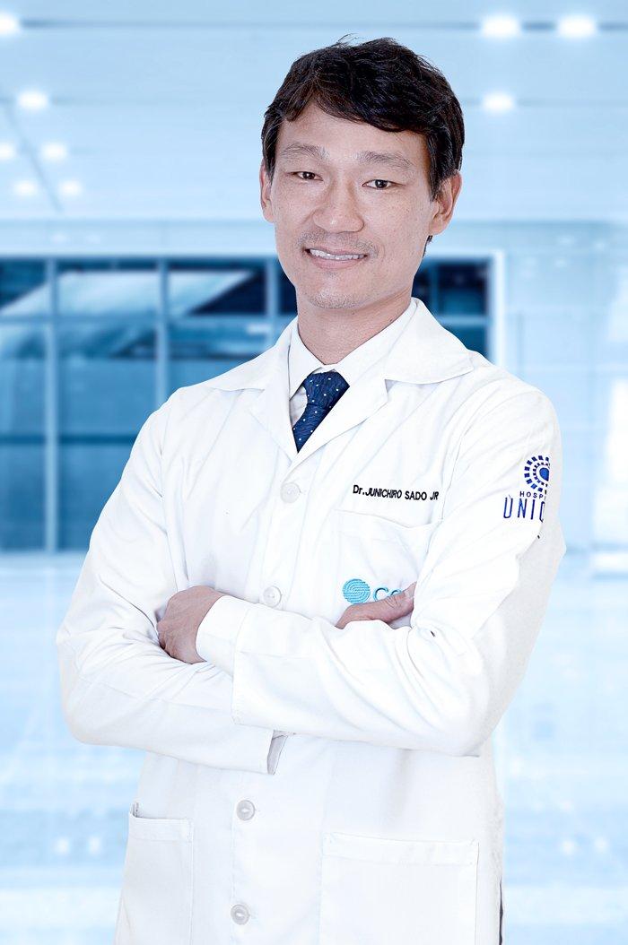 Dr. Junichiro Sado Ortopedista Especialista em jJelho