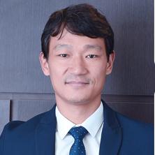 Médico ortopedista especialista em Joelho Dr. Junichiro Sado