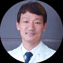 Ortopedista Especialista em Joelho, Dr. Junichiro Sado